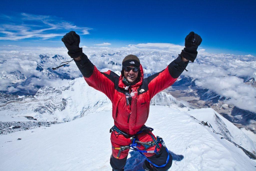 GPS-трекеры вместе с альпинистами будут покорять Эверест