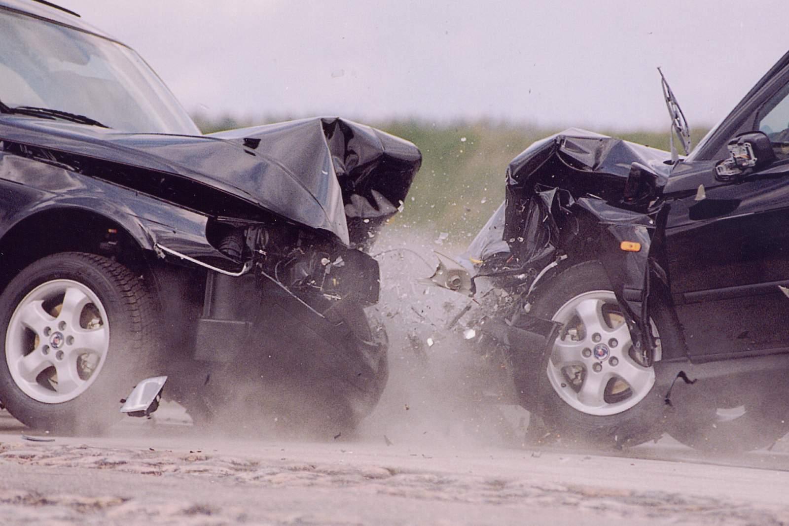 Мобильный телефон приводит к аварии