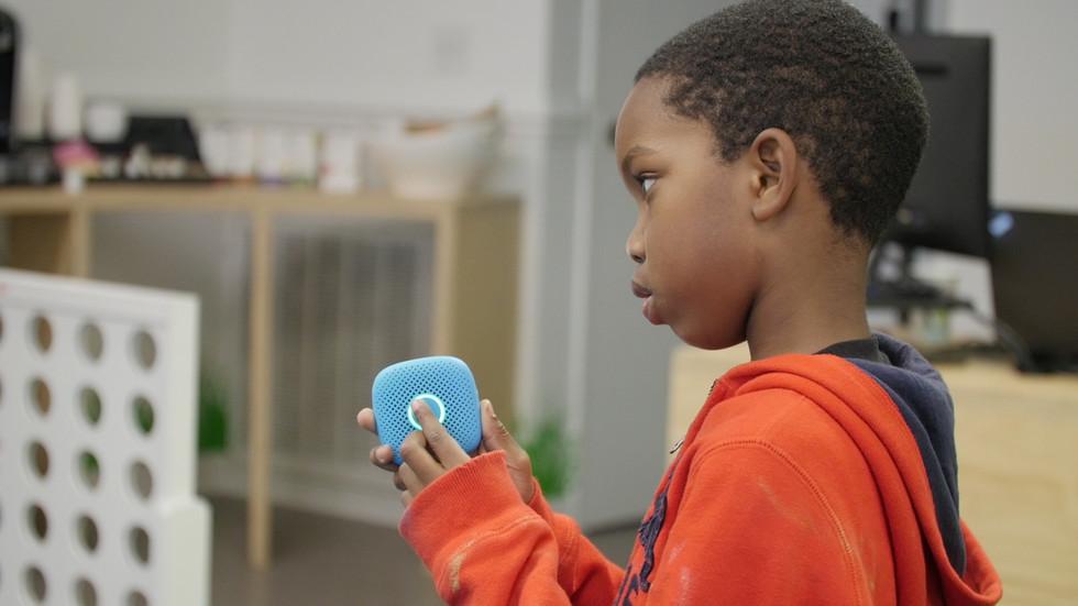 телефон для детей с GPS-маячком