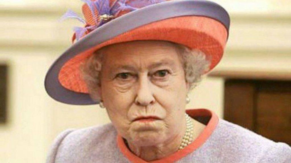 Королева Великобритании злится