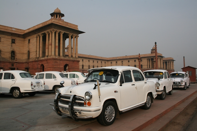 Дели против коррупции: нет GPS – нет бензина чиновникам