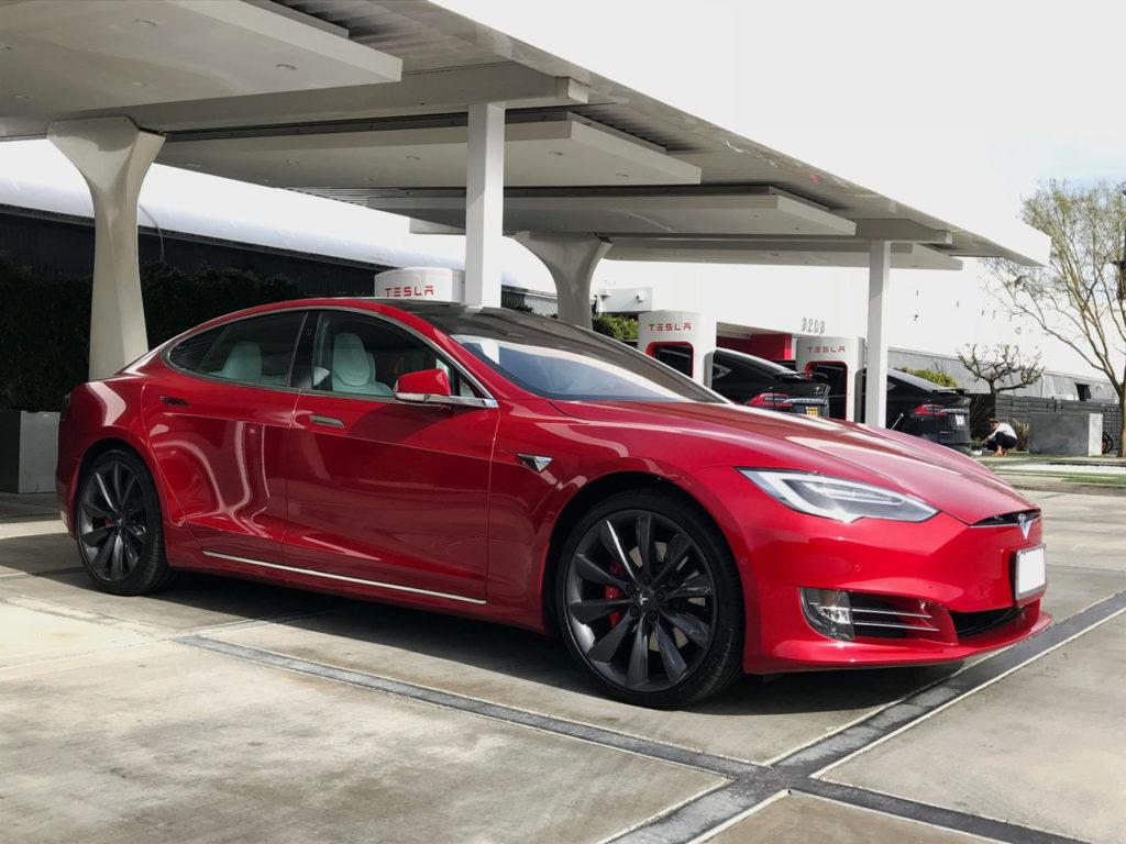 США: верная Tesla везла пьяного хозяина 11 километров